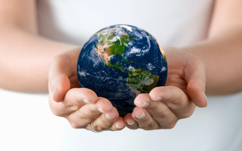 75b34-hd-wallpaper-with-earth-globe-in-hands